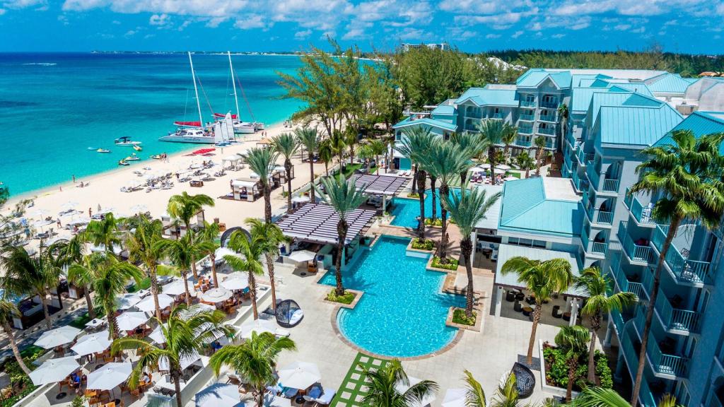 Gcmmi-pool-beach-2880-hor-wide